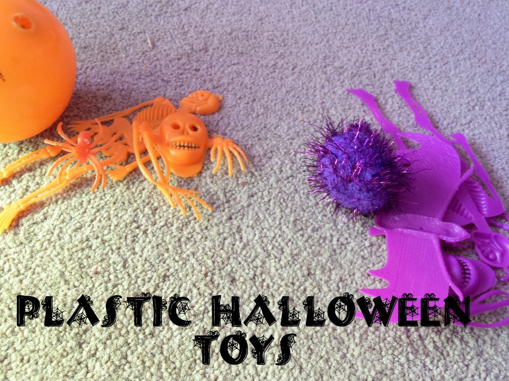 plastichalloweentoys